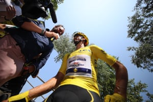 Will Alaphilippe retain the maillot jaune after today's stage?