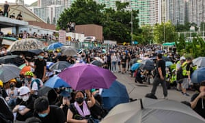 Protesters in the street in Wong Tai Sin on Monday