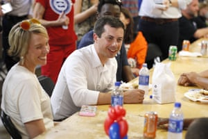 Pete Buttigieg speaks with local residents at the Hawkeye Area Labor Council Labor Day Picnic.
